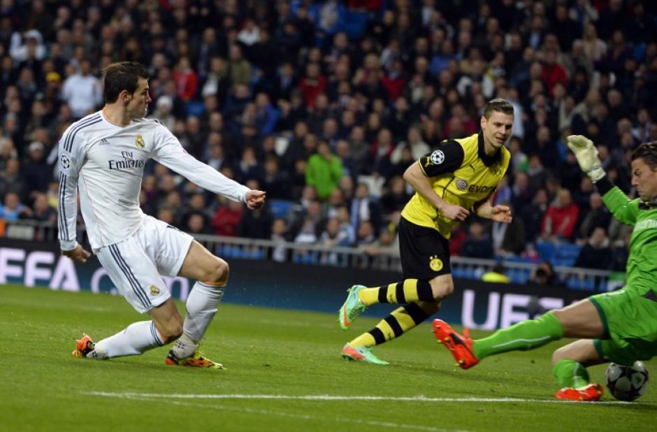 Bale al momento de anotar tras recibir un pase de Carvajal que nació de una jugada de Benzema