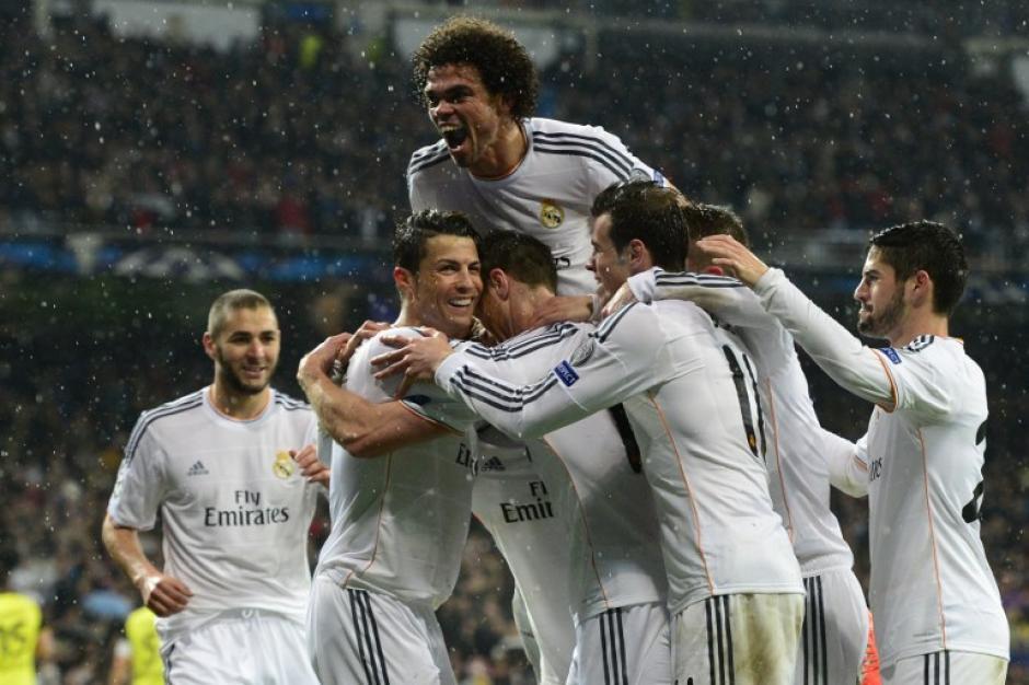 El Real Madrid celebró el 3-0 anotado por Cristiano Ronaldo en medio de una llovizna. (Foto: AFP)