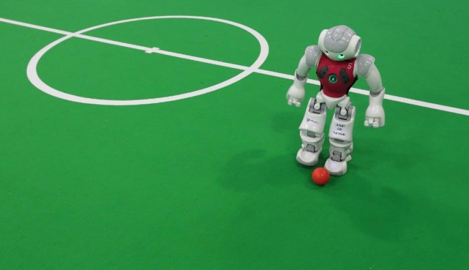 Los científicos consideran que en 2050 los robots estarán en la capacidad de ganar a los humanos. (Foto: AFP)