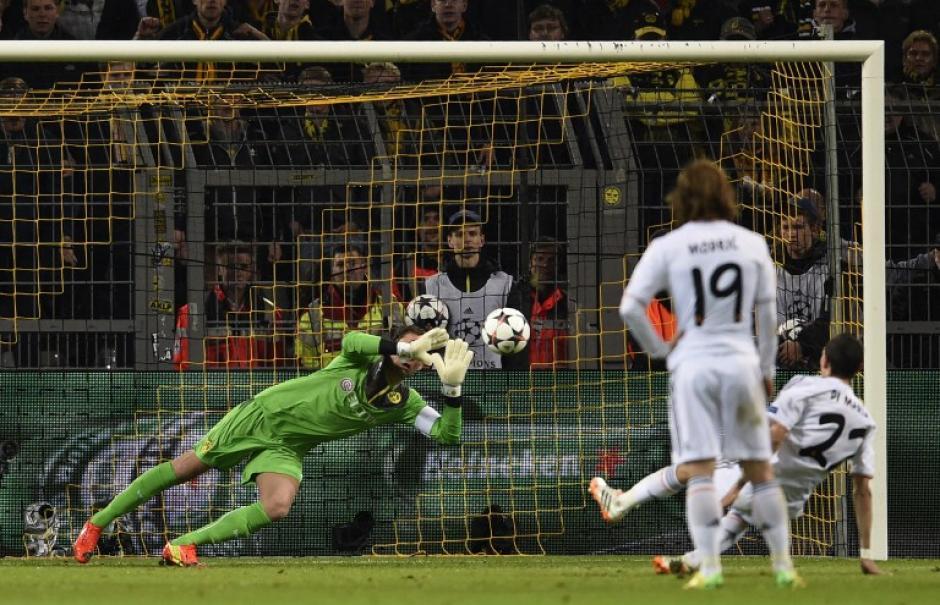 Di María se perdió la oportunidad de inaugurar el marcador al fallar un penal. (Foto: AFP)