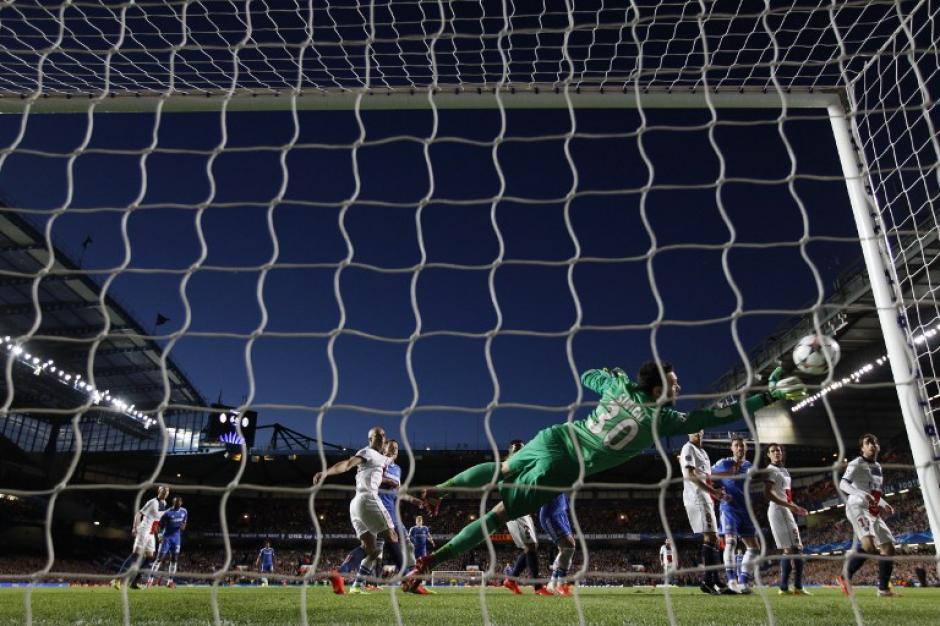 El portero del PSG evitó en varias ocasiones más anotaciones del Chelsea. (Foto: AFP)