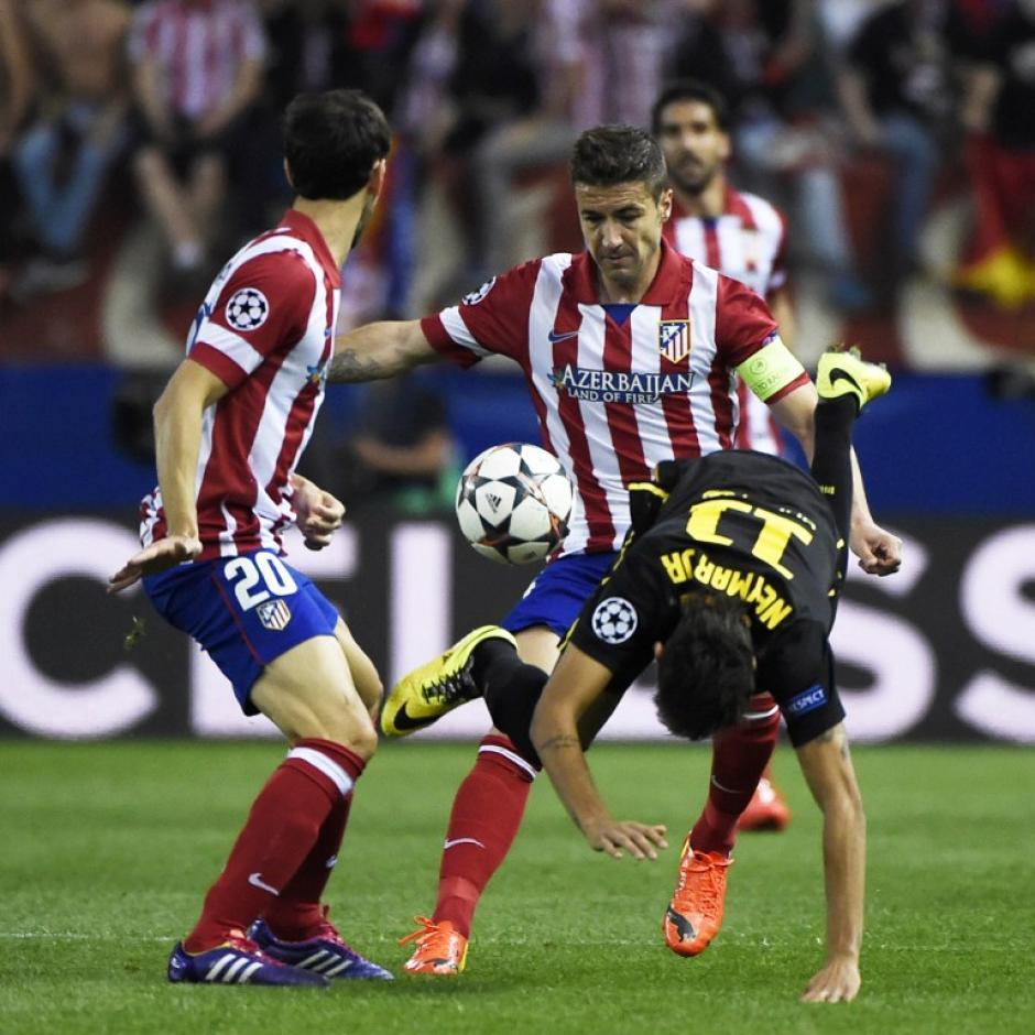 Neymar sufrió de fuertes marcas durante el encuentro. (Foto: AFP)