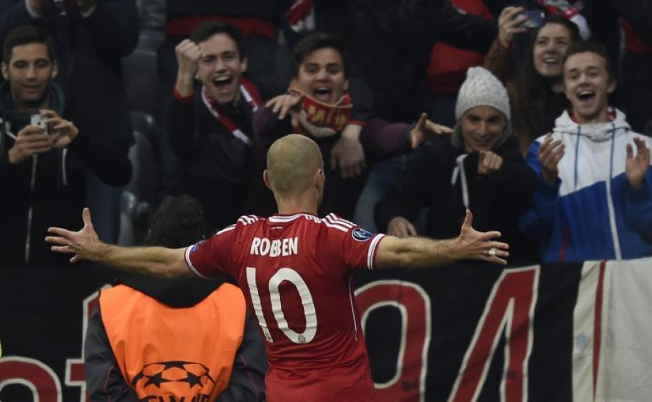 El volante Arjen Robben, del Bayern Munich festeja su anotación sobre el Bayern Munich. (Foto: AFP)