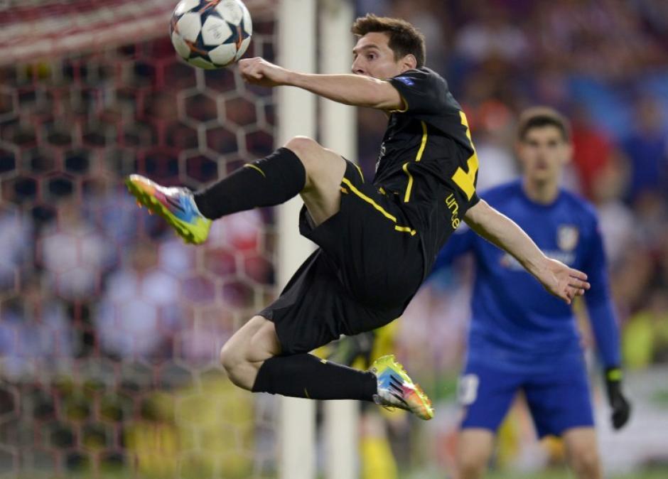 Messi pasó desapercibido ante la defensa colchonera. (Foto: AFP)