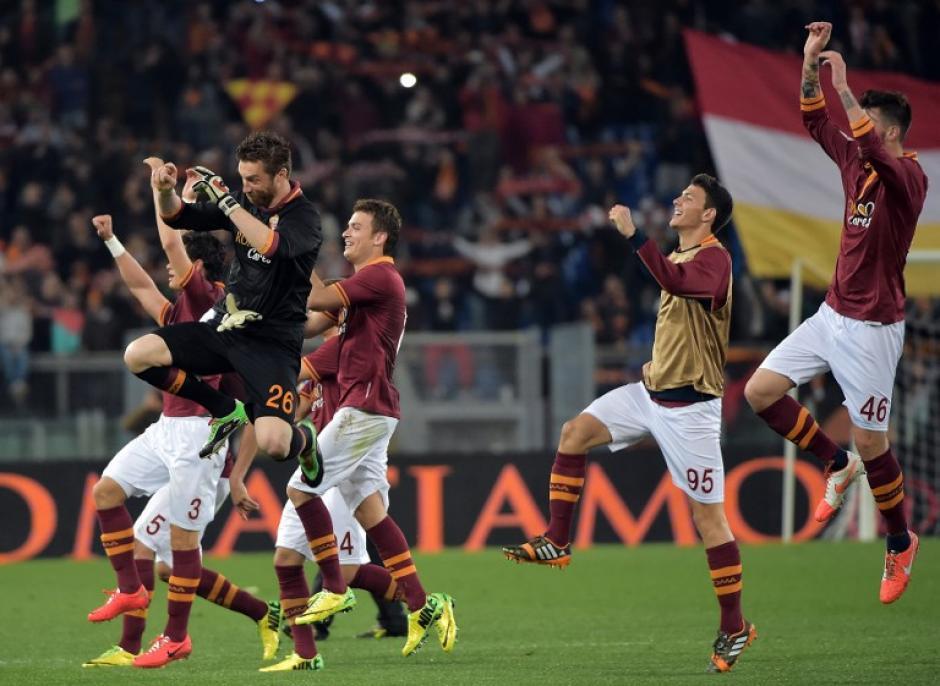 La Roma celebró en su estadio la victoria ante el Atalanta