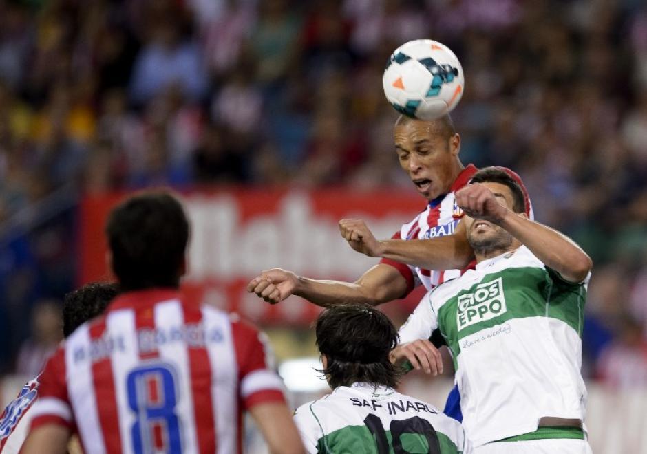 El zaguero Joao Miranda marcó el primer gol del Atlético de Madrid. (Foto: AFP)