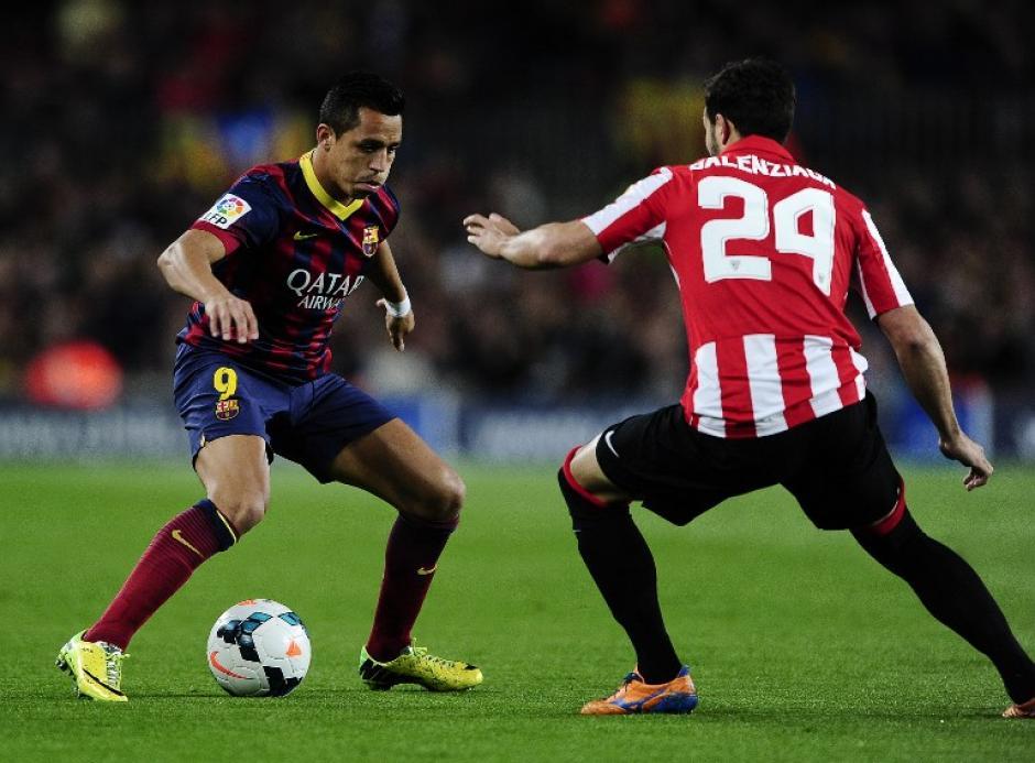 Alexis Sánchez mandó una pelota al poste. (Foto: AFP)