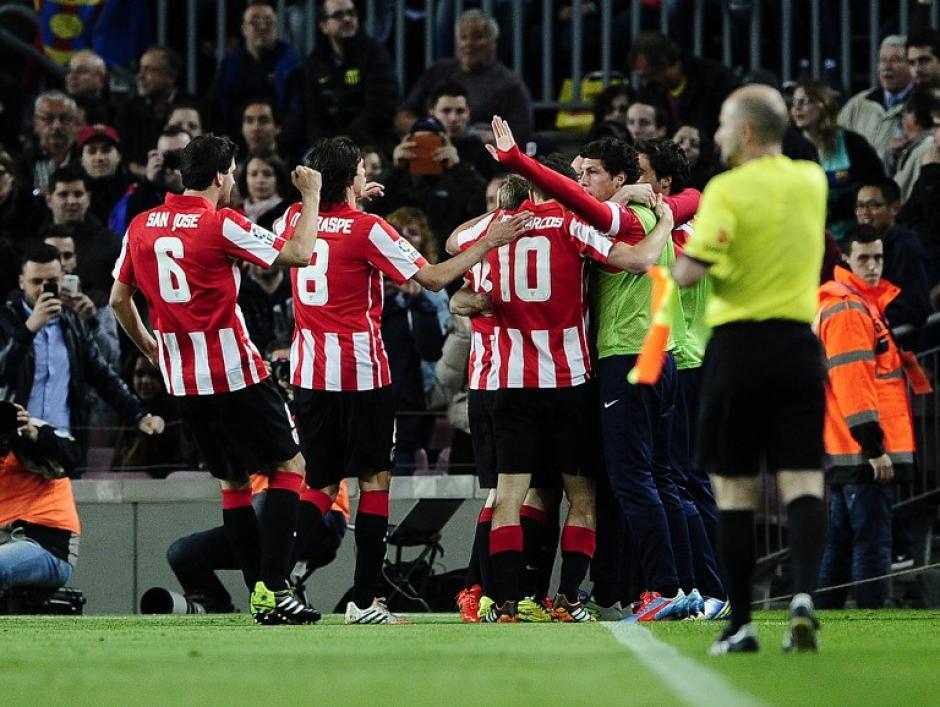 El Athletic celebra el primer gol del partido. (Foto: AFP)