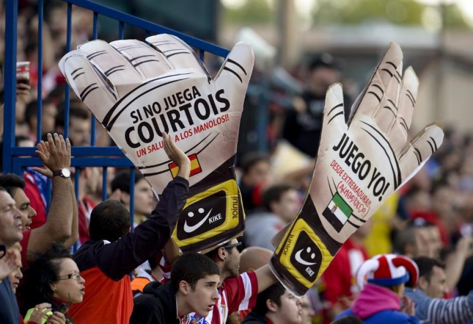 Courtois, el guardameta del Atlético de Madrid, estuvo en riesgo de no poder jugar ya que pertenece al Chelsea, pero al final estuvo presente en la cancha del Vicente Calderón