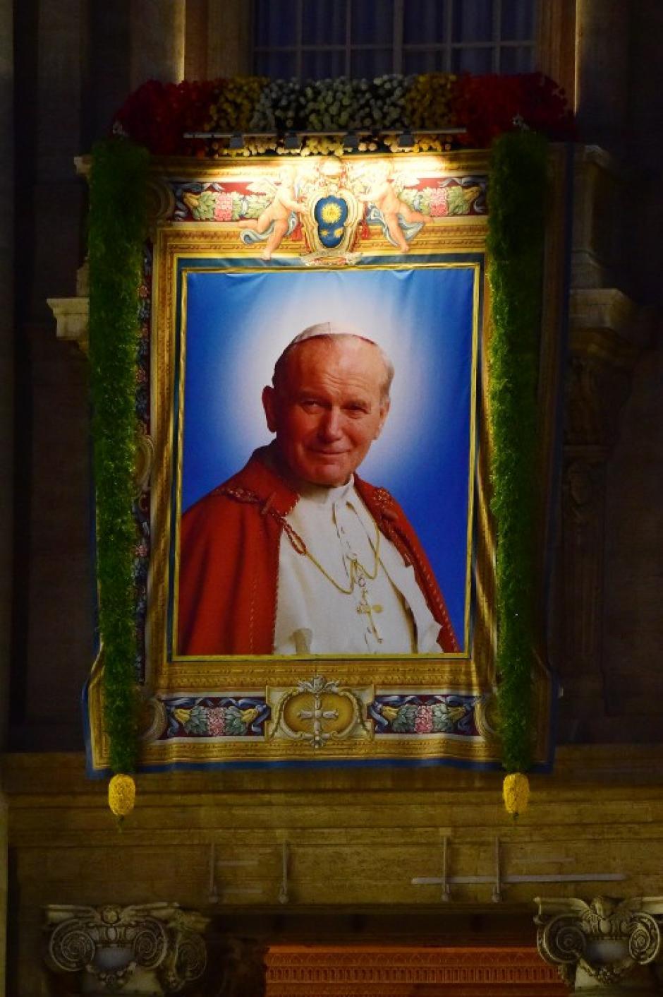San Juan Pablo II, a partir de hoy para los católicos del mundo. (Foto: AFP)