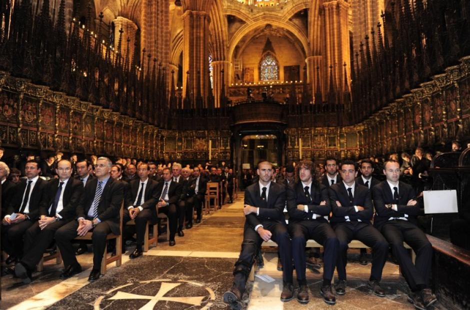 Más de 1,500 personas llegaron a la misa de despedida de Vilanova. (Foto: AFP)