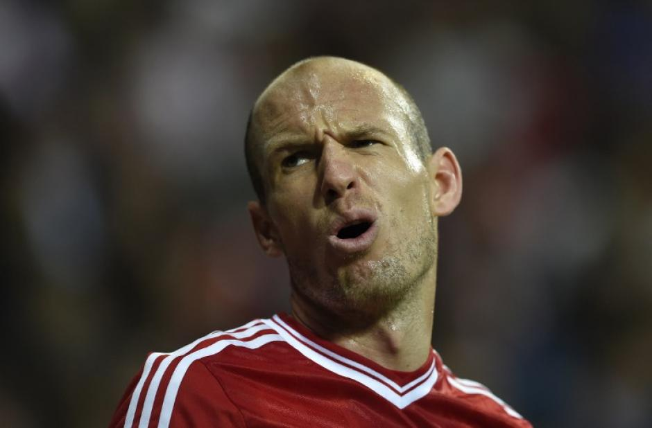 Arjen Robben se lamenta tras el tercer gol madridista