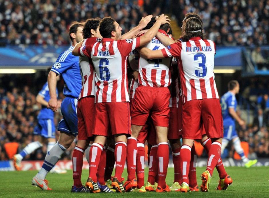 Fiesta colchonera en el Stamford Bridge, el Atlético derrotó 3-1 al Chelsea y clasificó a la final de la Champions. (Foto: AFP)