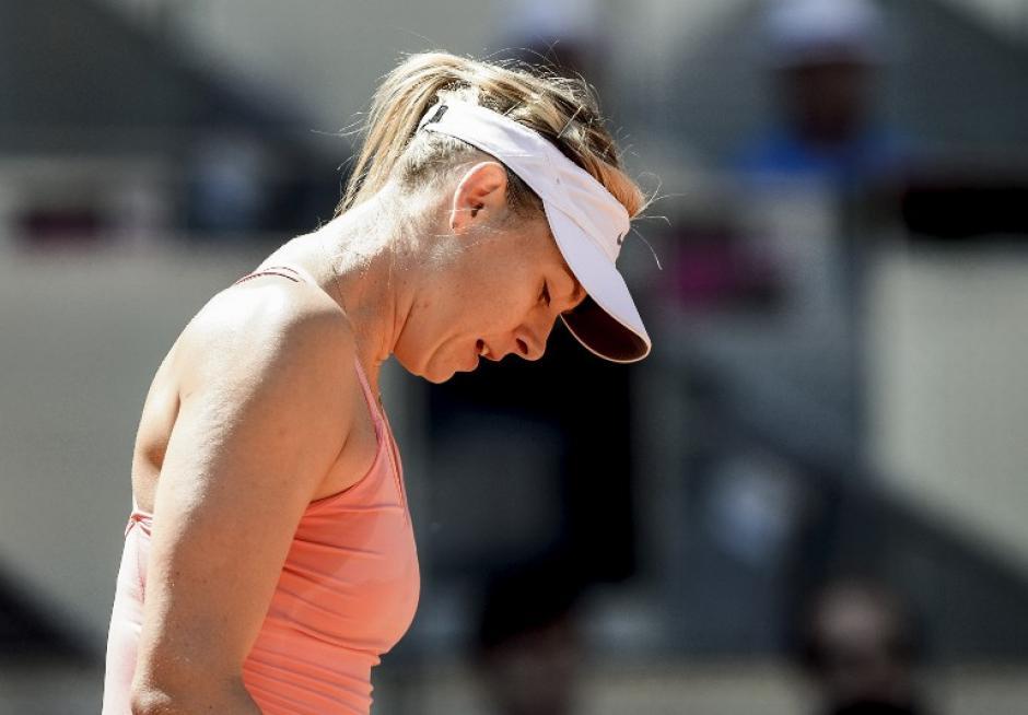 Sharapova abandonó de nuevo por una lesión en el hombro