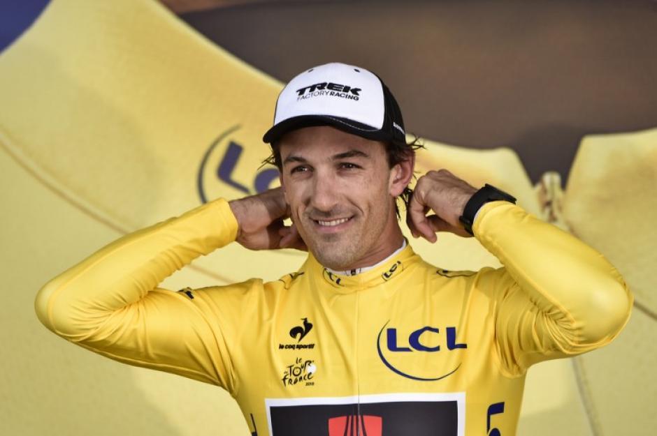 Fabián Cancellara es el nuevo líder del Tour de France. (Foto: AFP)