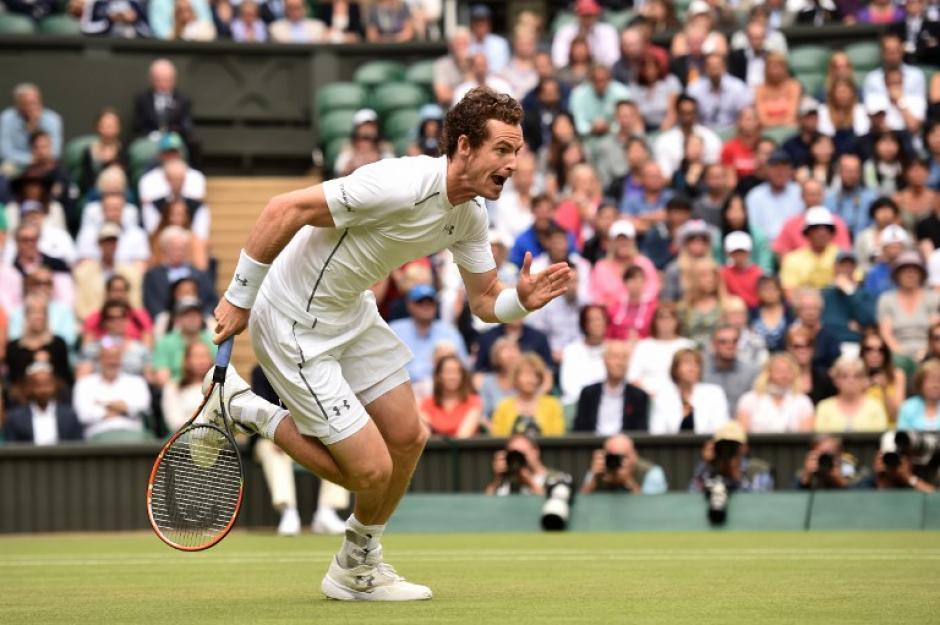 El británico Andy Murray derrotó al canadiense Vasek Pospisil durante los cuartos de final del Wimbledon