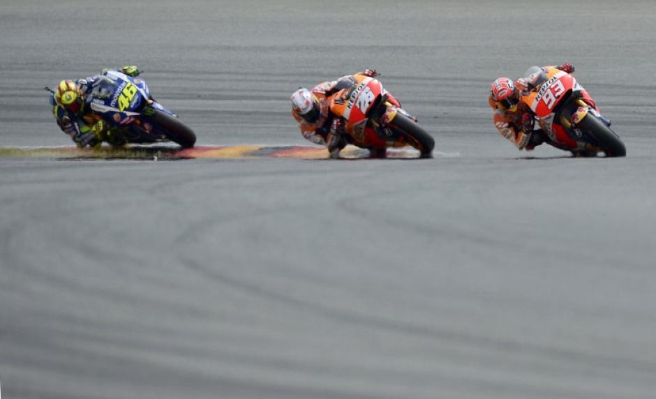 Márquez, Pedrosa y Rossi durante la competencia. Los tres se subieron al podio del GP de Alemania