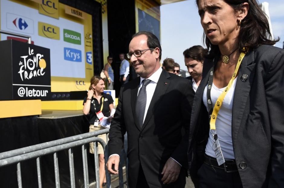Francois Hollande, presidente de Francia, rindió un homenaje a Bianchi tras ser uno de los invitados en el Tour de France. (Foto: AFP)