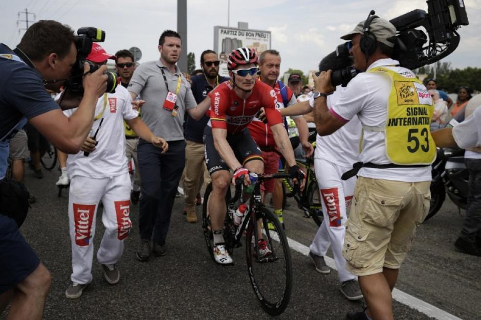 Greipel acosado por la prensa tras ganar su tercera etapa en el Tour de France. (Foto: AFP)