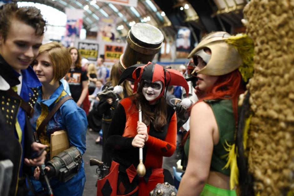 Al centro se observa al personaje Harley Quinn, de la serie animada Batman. (Foto: Oli Scarff/AFP)