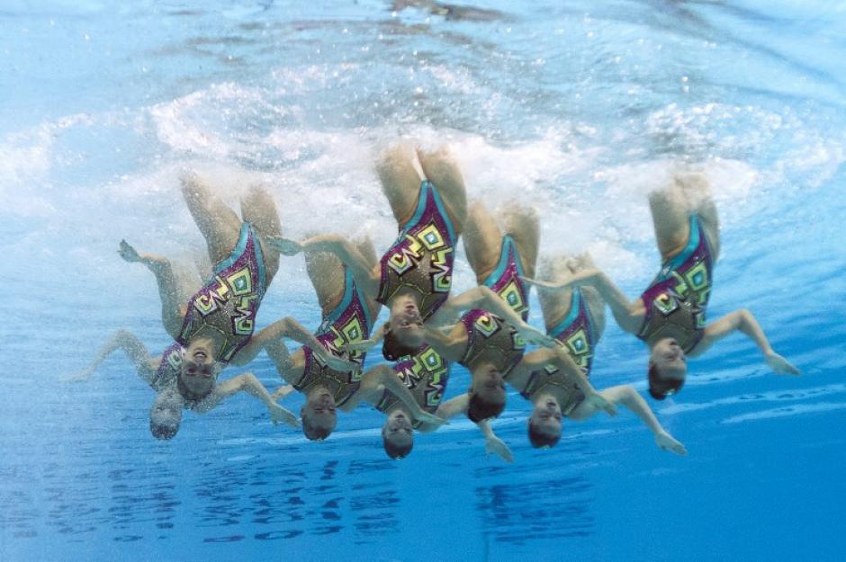 El equipo de Rusia muestra su sincronia durante el Campeonato Mundial FINA 2015. (Foto: AFP/ FRANCOIS XAVIER MARIT)