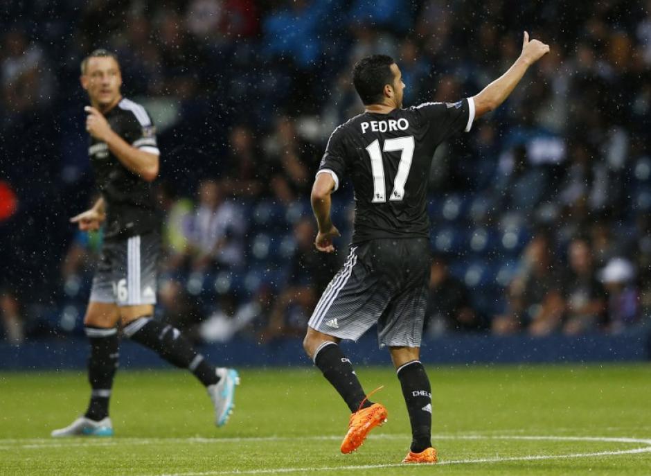 Pedro anotó un gol y puso una asistencia durante su debut con el Chelsea. (Foto: AFP)