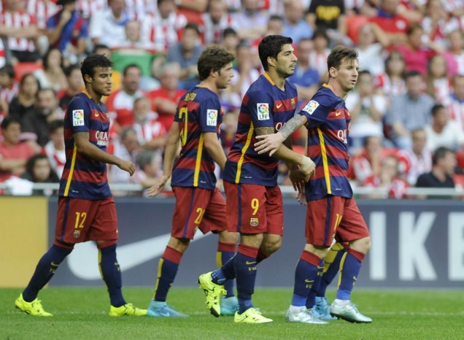 Suárez celebró el gol que significó los primeros tres puntos del Barcelona en la actual Liga BBVA. (Foto: AFP)