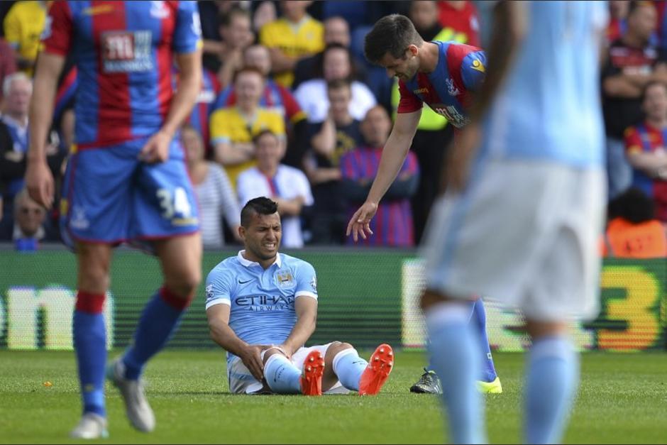 """El """"Kun"""" Agüero aún no sabe la gravedad de su posible lesión tras recibir una fuerte falta durante un juego de la Premier"""