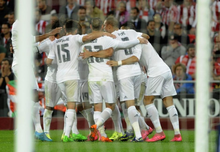 El Real Madrid derrotó al Athletic con dos goles de Karim Benzema y tomó el liderato de la Liga BBVA. (Foto. AFP)