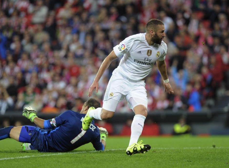 Benzema fue el autor de los dos tantos que le dieron al Madrid la victoria a domicilio en San Mamés. (Foto: AFP)