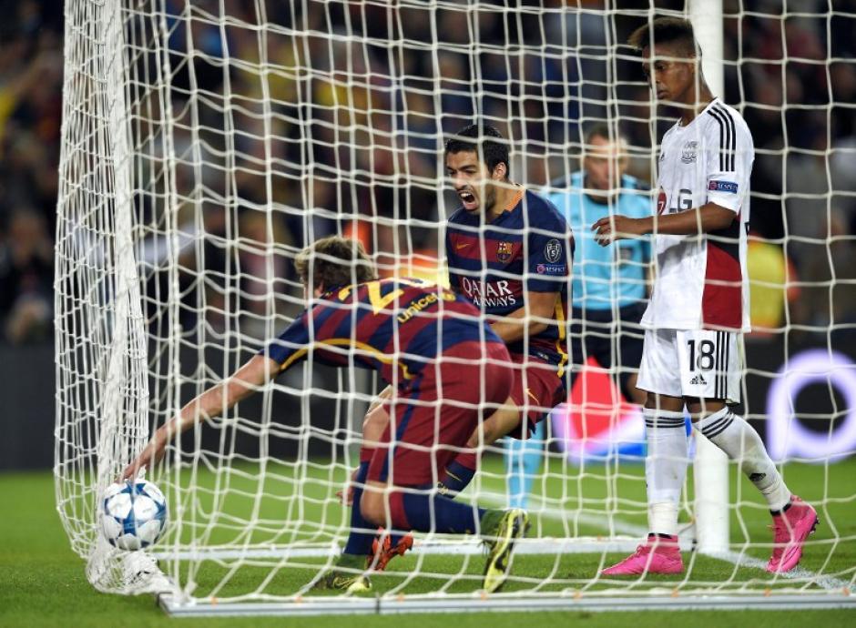 Sergi Roberto puso el 1-1 transitorio al minuto 80 y le devolvió la vida al Barcelona. (Foto: AFP)