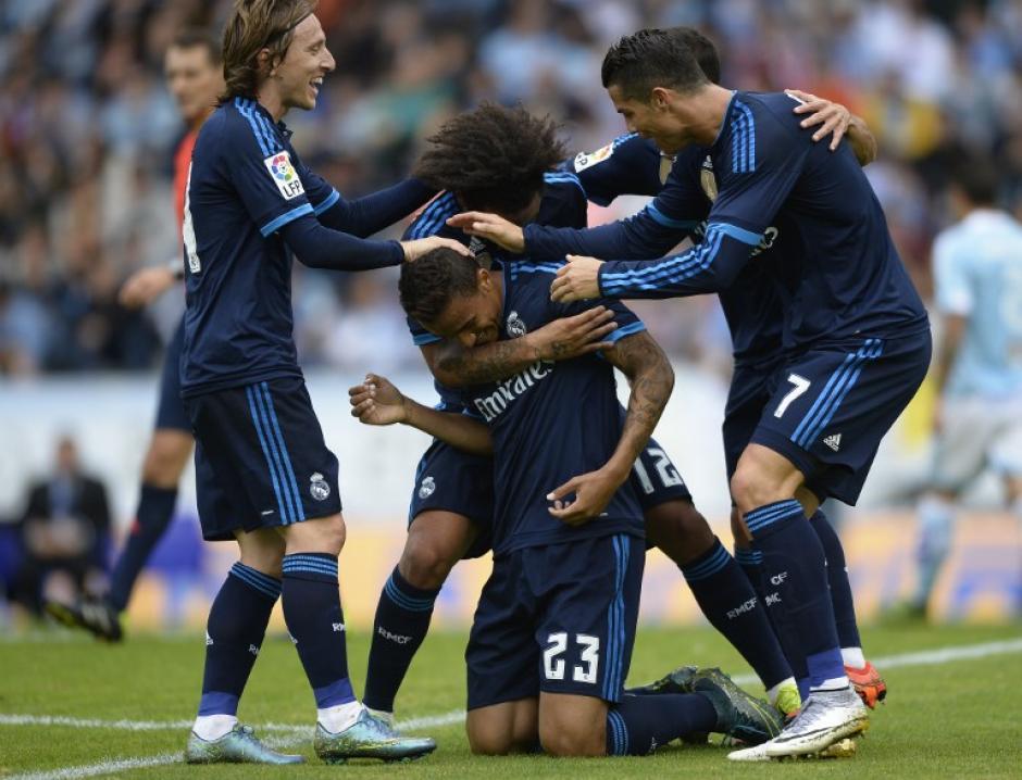Danilo definió fuerte y arriba para marcar el 2-0 para Real Madrid. (Foto: AFP/MIGUEL RIOPA)