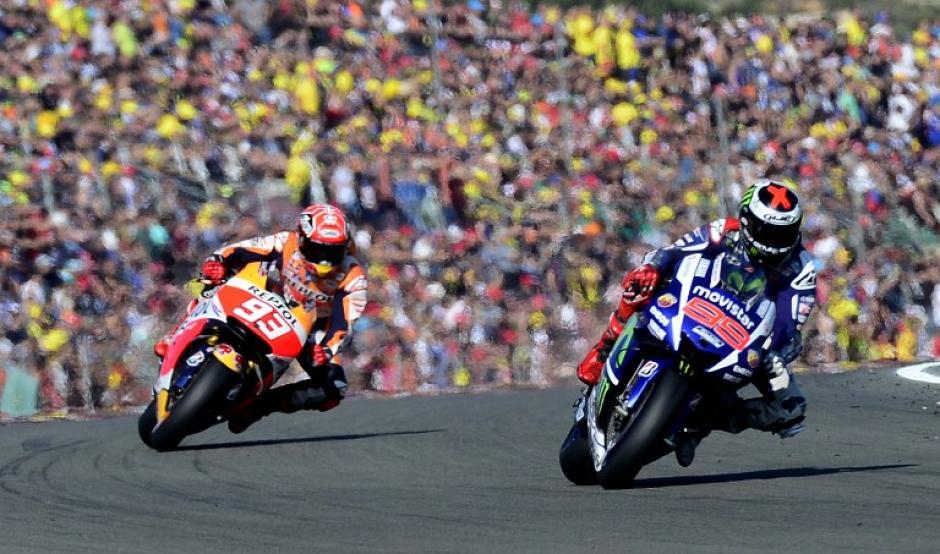 El piloto español captado liderando la carrera