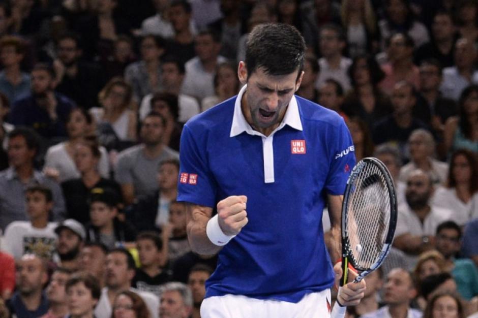 Djokovic derrotó a Murray y se quedó con el título Masters 1,000 de París. (Foto: AFP)