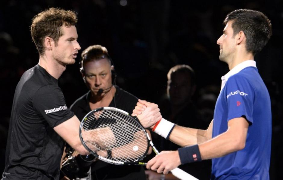 """Andy Murray y Novak Djokovic al finalizar el juego que dejó a """"Nole"""" como campeón"""