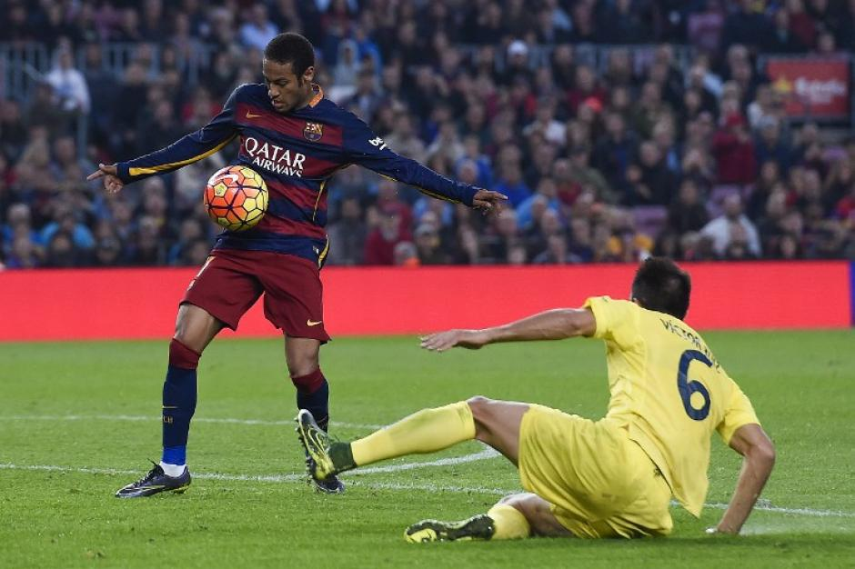 Neymar dejó en el camino a tres jugadores en el 2-0 que anotó al minuto 70 para el Barcelona ante el Villarreal