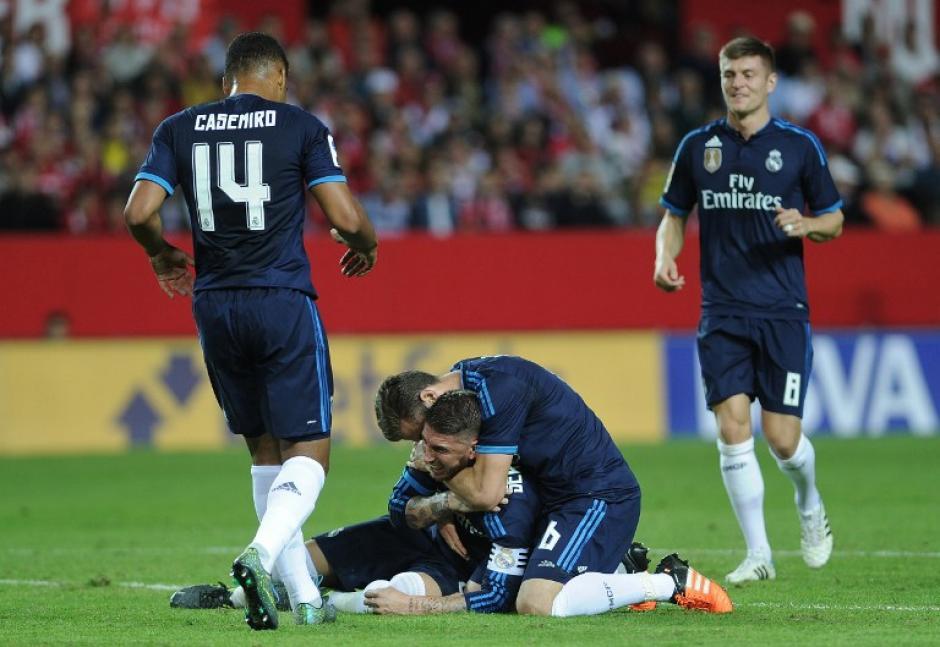 Ramos anotó de chilena el primer gol del juego, pero se fue lesionado. (Foto: AFP)