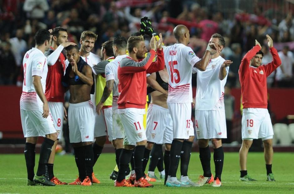 El Sevilla se convirtió en el primer conjunto en vencer al Real Madrid en la presente temporada. (Foto: AFP)