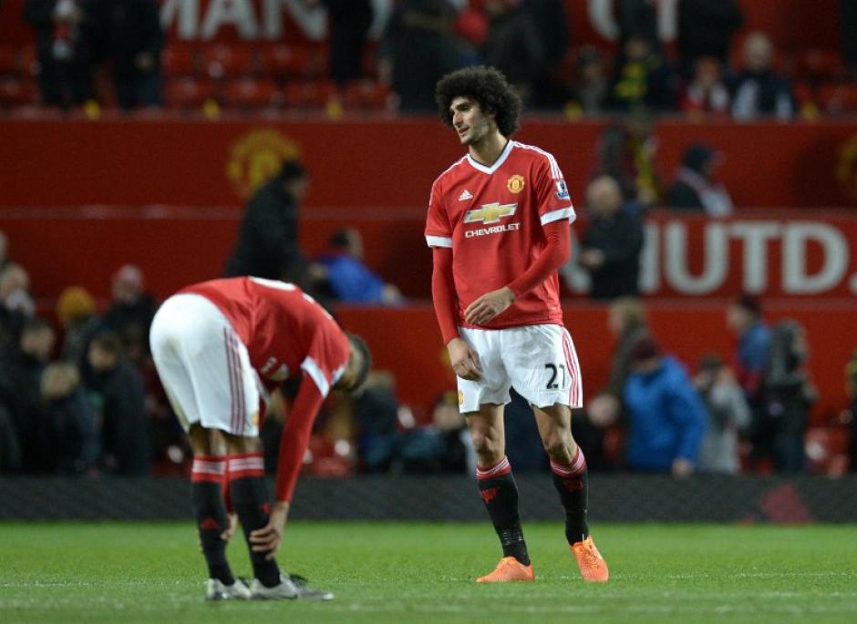 Fellaini del Manchester United se lamenta luego del empate a cero ante el West Ham