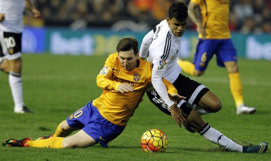 Messi fue marcado muy fuerte durante todo el juego