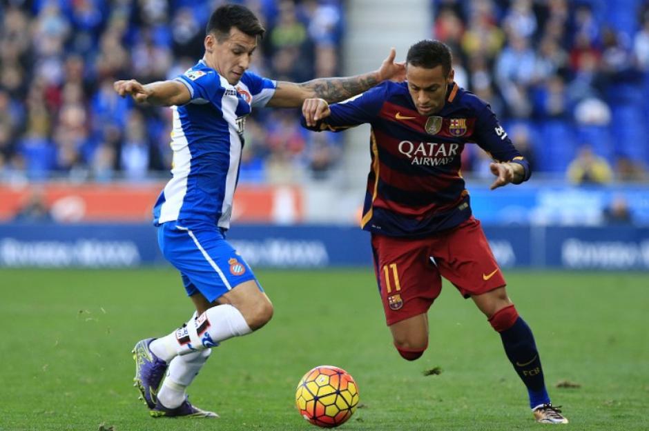 El derby Catalán fue muy disputado, el equipo Espanyol fue ordenado durante todo el partido. (Foto: AFP/PAU BARRENA)