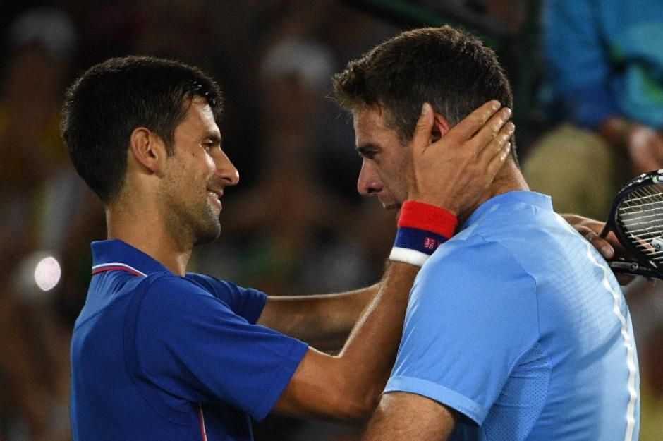 A pesar de la derrota, felicitó amistosamente a su rival. (AFP)