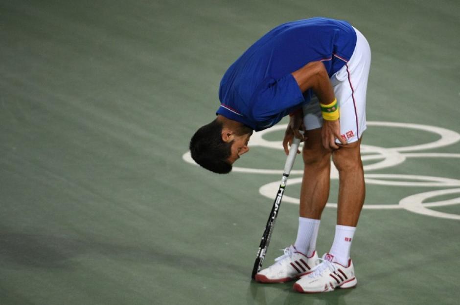El número 1 del mundo no pudo imponer su juego. (AFP)