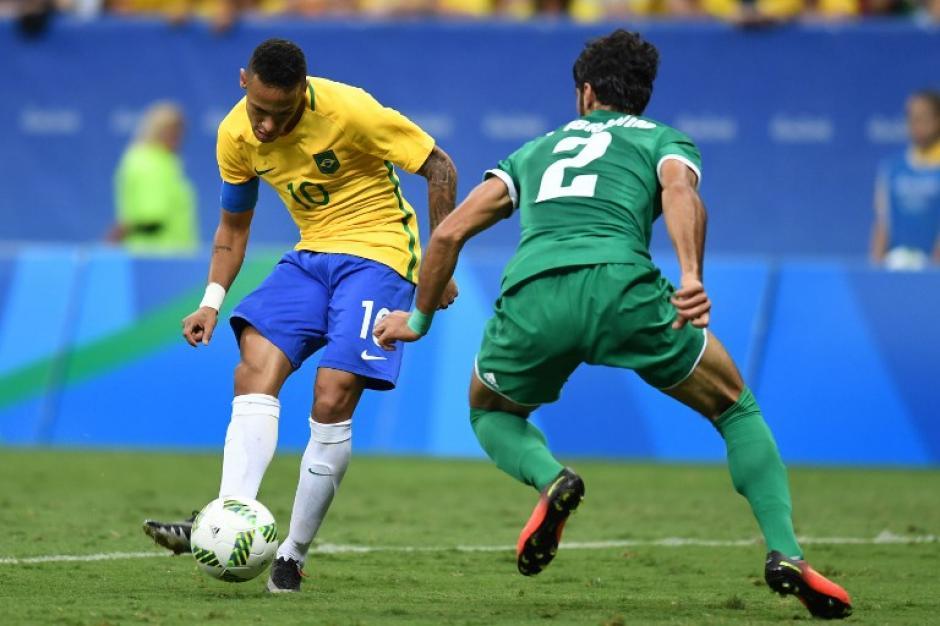 Brasil está obligado a ganarle a Dinamarca. (AFP)