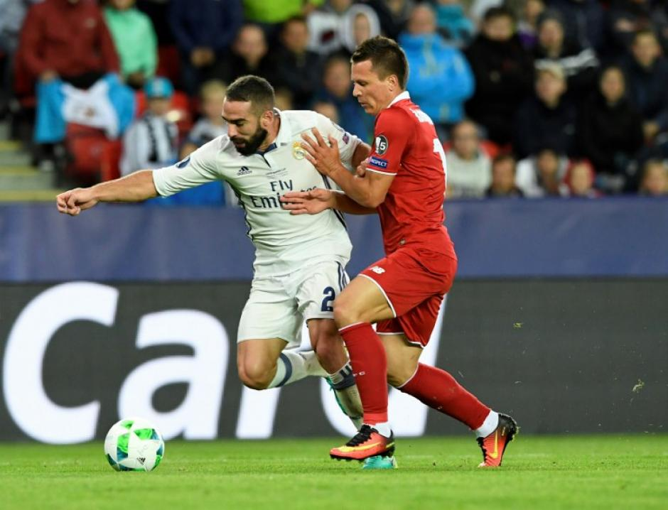 Carvajal le ganó la pelota a Konoplyanka y desde allí corrió para meter el gol defitinivo. (AFP)