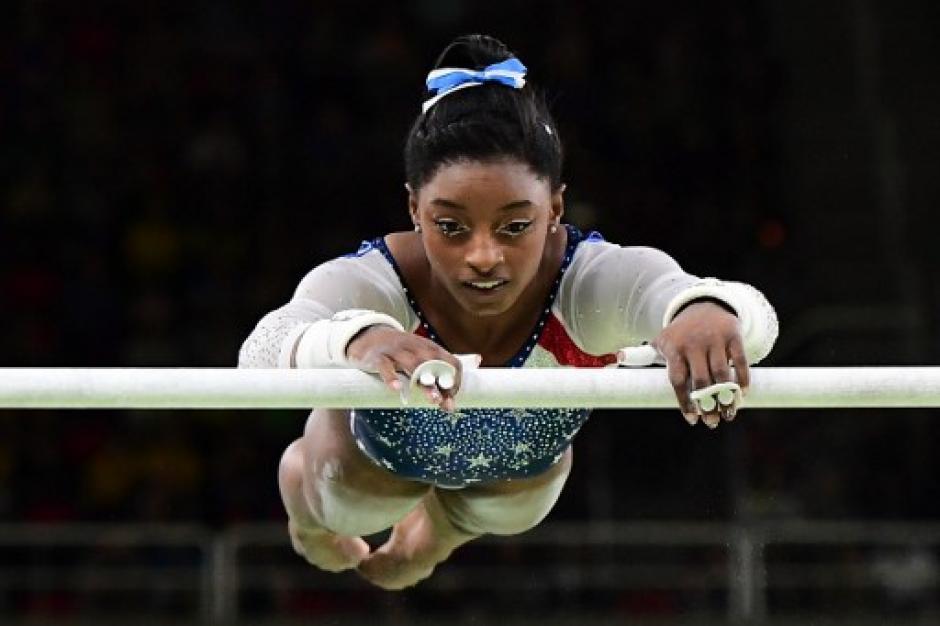Simone Biles ganó varias medallas de oro en los Juegos Olímpicos de Río 2016. (Foto: AFP)