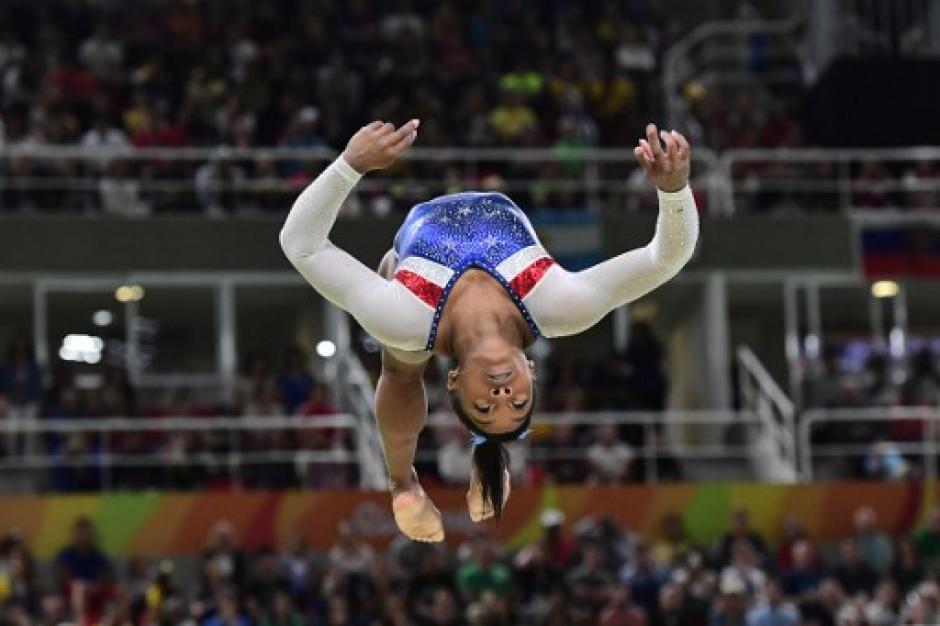 Simone Biles fue una de las atletas sensación en los Juegos Olímpicos. (Foto: AFP)