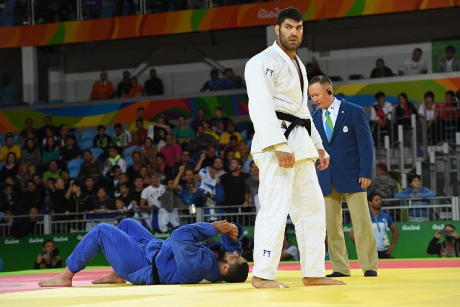 El Comité Olímpico Internacional expulsó al judoca egipcio por su actitud. (Foto: AFP)