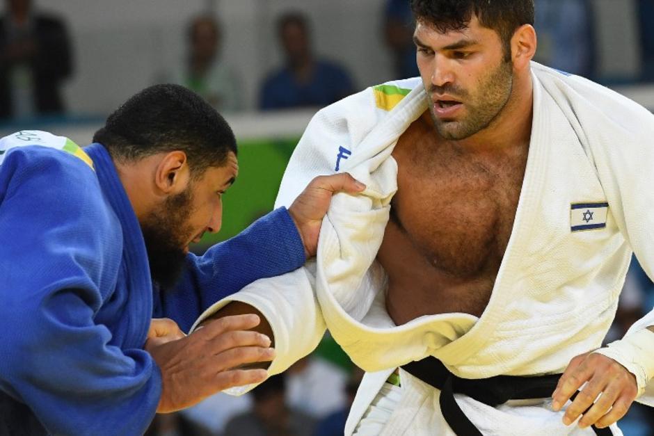 Los contrincantes de judo de Israel y Egipto no concluyeron bien. (Foto: AFP)
