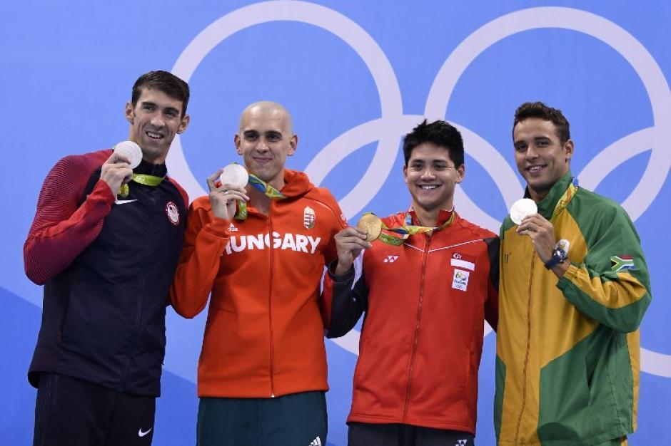 Fue la primera vez que hubo triple plata en la historia de la natación. (Foto: AFP)